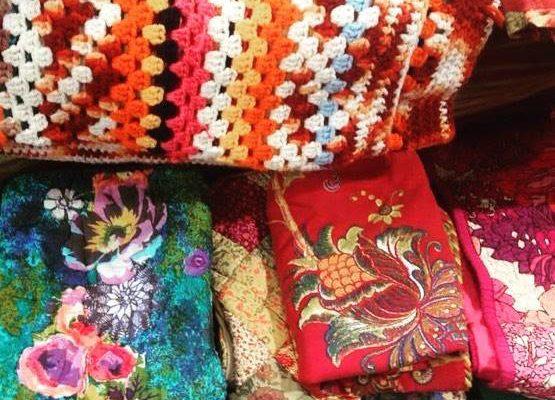 vintage linens at pop-up raleigh vintage market